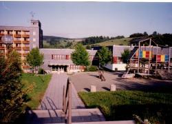 Blick über den Spielplatz 1994
